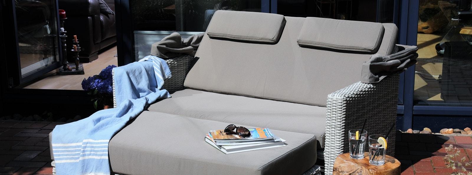 FERRARA Sofa mit Kissen