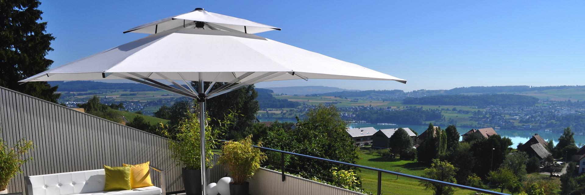 Sonnenschirm mit Schirmdach